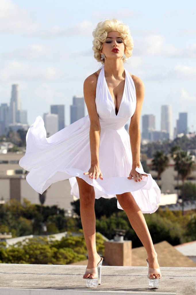 Courtney Stodden Channels Marilyn Monroe