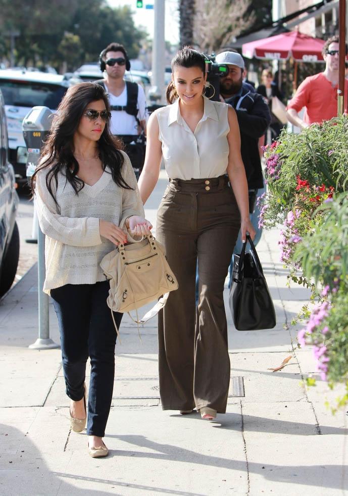 Kim and Kourtney Kardashian Grab Lunch in Los Angeles