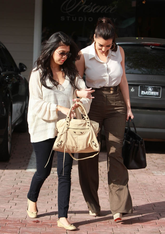 Kim and Kourtney Kardashian Grab Lunch