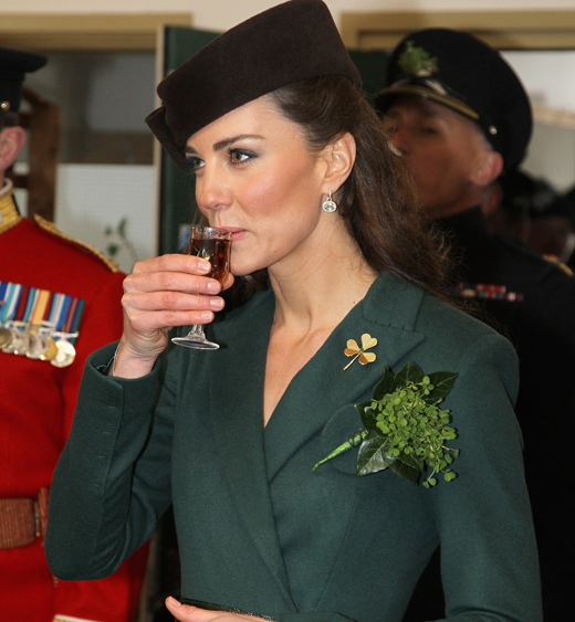 The Duchess of Cambridge wears the Queen Mother's shamrock brooch