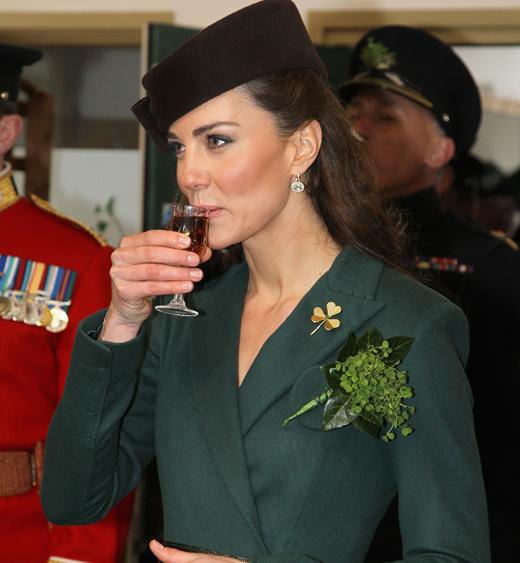 The Duchess of Cambridge wears the Queen Mother's shamrock brooch