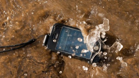 "DriSuit case keeps your iPhone ""dri"" underwater"