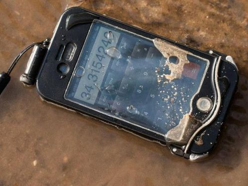 DriSuit Case For Using iPhone Underwater