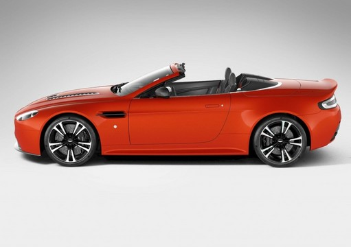 First Pictures - Aston Martin V12 Vantage Roadster