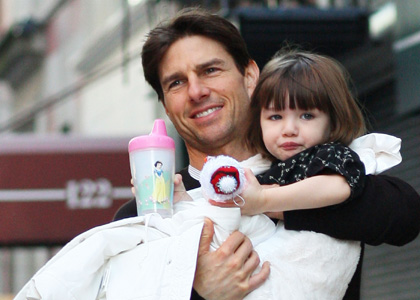 Tom cruise left the shooting of Oblivion For his daughter suri