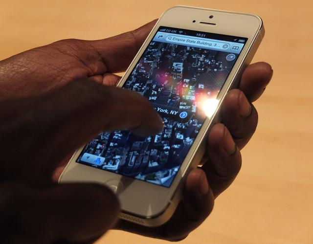 Apple promises to improve iOS 6 Maps