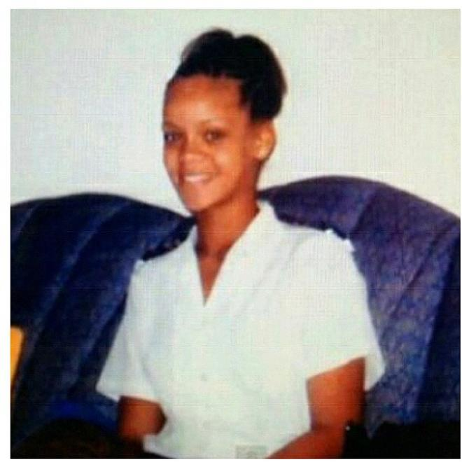 Rihanna Shares Old Personal Photos With Her Fans On Twitter