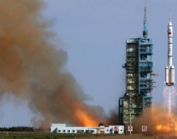 Chinese craft blasts into space on docking mission