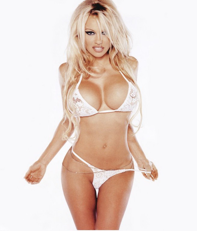 Pamela Anderson Best Bikini Photos